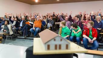 Konzerte, Präsentationen, Versammlungen – die Aula dient ganz unterschiedlichen Zwecken. Auch Gemeindeversammlungen werden hier abgehalten. Nun soll sie zwecks Nutzungsoptimierung saniert werden.