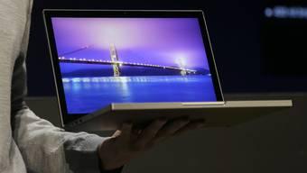 in Auto, ein Laptop, ein Tablet - solche Preise winken in Polen dem braven Steuerzahler.
