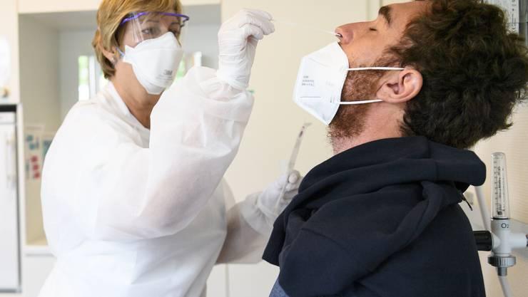 200 neue Coronavirus-Infizierte gemeldet | In-/Ausland