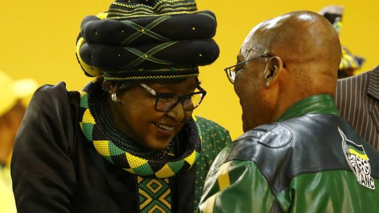 Die Ex-Frau des verstorbenen südafrikanischen Anti-Apartheid-Kämpfers Nelson Mandela, Winnie Madikizela-Mandela, ist tot. (Archivbild)