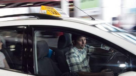Ein Taxifahrer hatte in Zürich mit einem mühsamen Fahrgast zu kämpfen (Symbolbild).