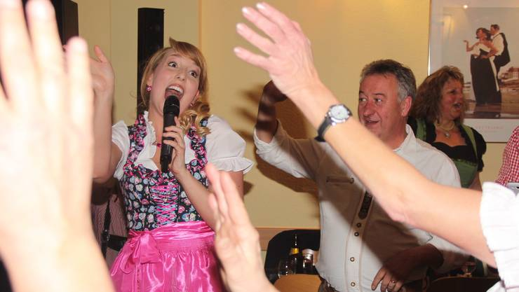 Dirndl- und Lederhosenclub gegründet von Rupperswilern, erste Veranstaltung in Suhr