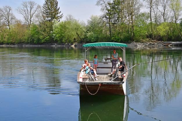 In Zeiten des Lockdown vermerkt sie deutlich weniger Kunden, die den Fluss überqueren möchten.