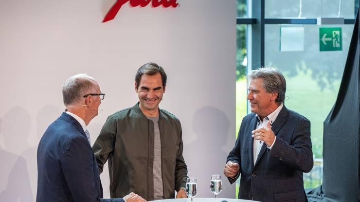 Roger Federer im Gespräch mit dem bekannten Tennis-Journalisten Bernhard Schär.