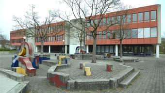 Für religiöse Konflikte wie die Handschlag-Verweigerung, welche sich an der Sekundarschule in Therwil ereignete, soll es künftig klare gesetzliche Regeln geben
