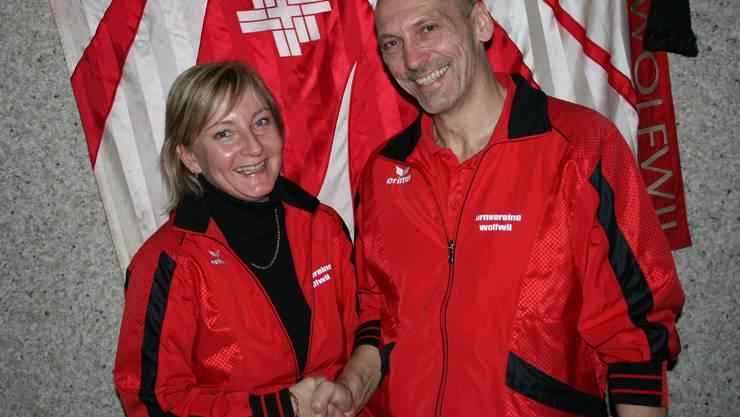 Neue Präsidentin Corinne Ackermann mit abtretendem Präsident Remy Nützi