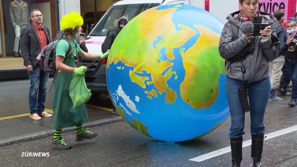 Sitzblockade in Zürcher Innenstadt: Klima-Aktivisten legten den Verkehr lahm