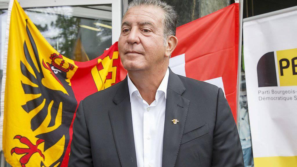 Bläst zum Sturm auf den Nationalrat: Eric Stauffer, frisch gebackener Kandidat auf einer Unterliste der BDP Genf vor den Medien.