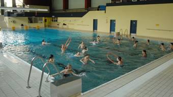 Der Schwimmunterricht für Schülerinnen und Schüler im Hallenbad Spreitenbach soll in moderner Umgebung stattfinden.