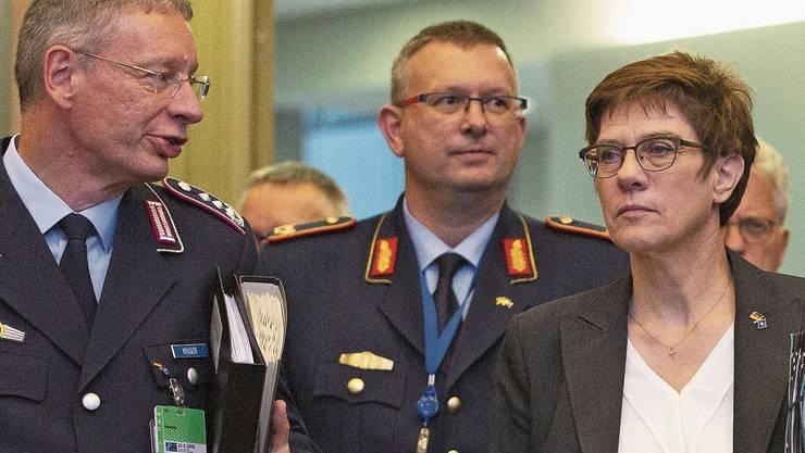 Annegret Kramp-Karrenbauer will die Europäer zu einer gemeinsamen Syrien-Strategie bringen.