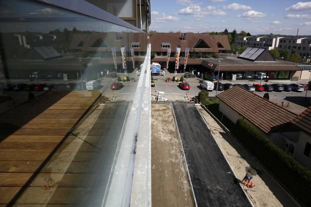Blick von einem Balkon Richtung Coop