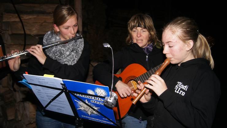 Gemeinsam singen und musizieren mit Rebecca, Susanne und Mirjam Steiner