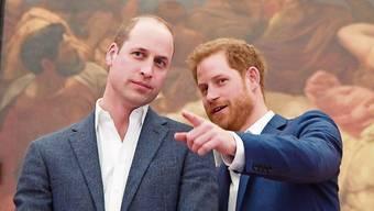 Freiheit und Risiko statt Korsett und Absicherung: Herzogin Meghan und Prinz Harry genossen fünf Monate nach ihrer Hochzeit Strandferien in Australien. Prinz William und Prinz Harry: Eng verbundene Brüder.