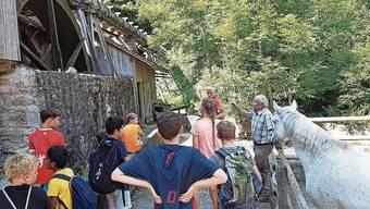 Die Murianer Ferienpasskinder bei der Wyssenbach-Sagi.