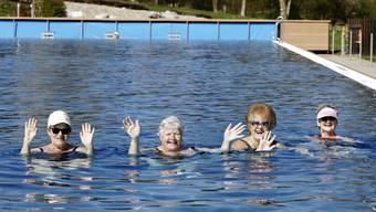 Das Regibad eröffnete am Samstag als erstes Schweizer Freibad die Saison