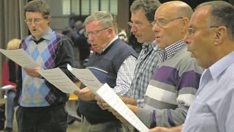 Der Aarauer Jodlerklub singt für die az