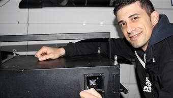 Kurzfristig ohne Bewilligung: Vano Soleymani musste sein Laser-Kunstprojekt am Dienstag absagen.