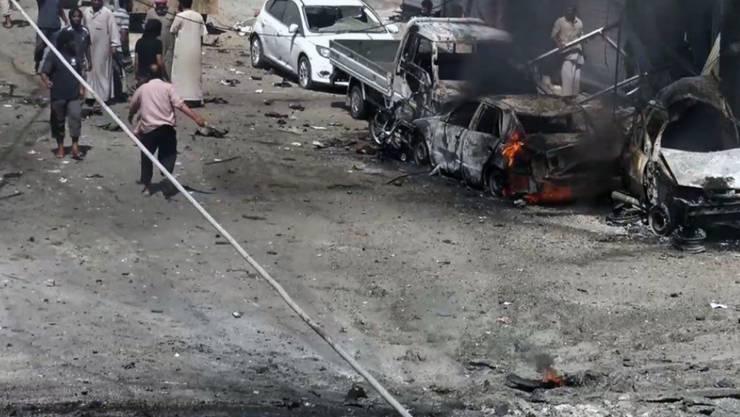 Zivilisten in Manbidsch: Rund 2000 wurden vom IS beim Rückzug als Geiseln genommen - nun sind hunderte von ihnen wieder frei. (Symbolbild)