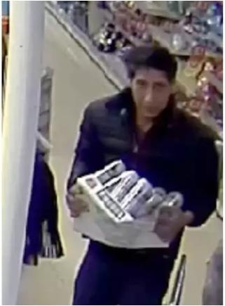 Dieser Mann wird von der Polizei Blackpool gesucht. (Bild: Facebook/Blackpool Police)