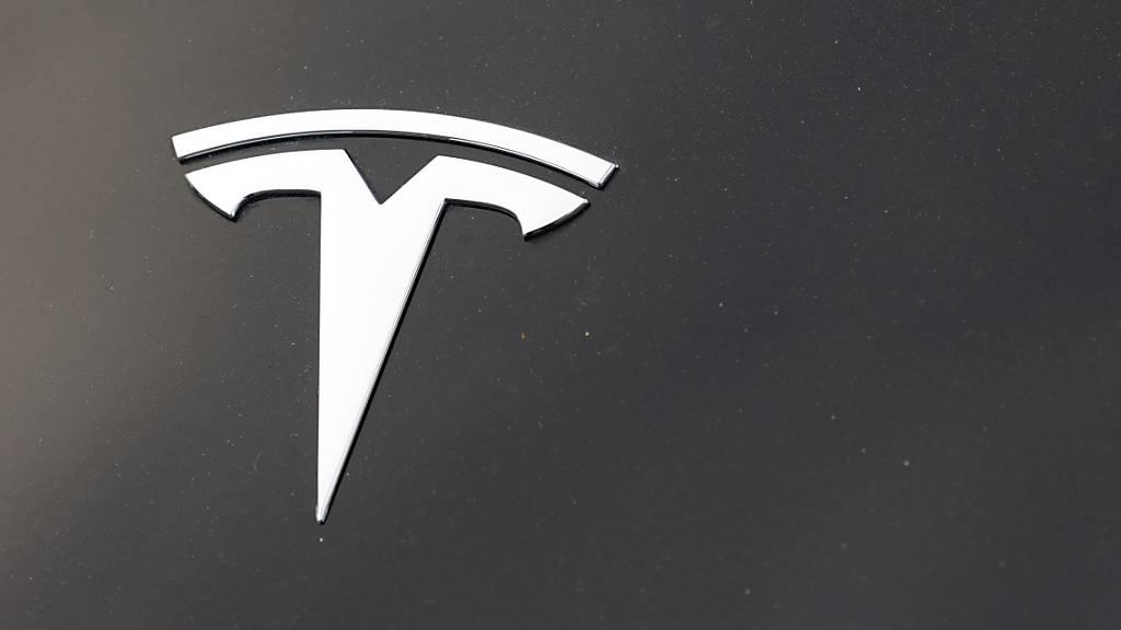 Tesla übertrifft Erwartungen bei Umsatz und Gewinn