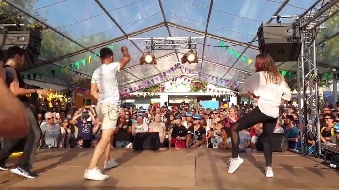 Luca Hänni tanzt am Brugger Stadtfest zu «She Got Me»