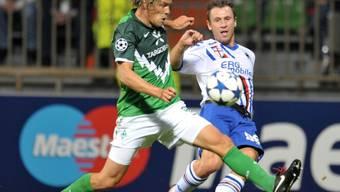 Clemens Fritz (links, im Zweikampf mit Antonio Cassano) war für das 1:0 der Bremer verantwortlich