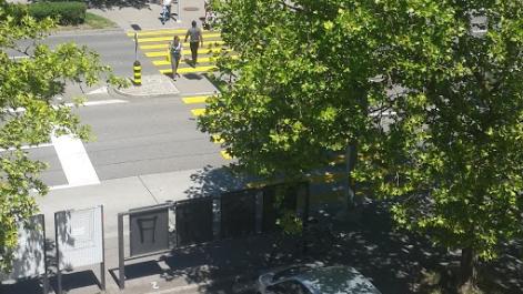 Die Auseinandersetzung geschah an der Haltestelle Zehntenhausplatz.