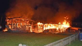 Die Ställe wurden beim Brand komplett zerstört, mehrere Tiere starben.