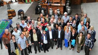 In den Räumlichkeiten von «Armandos' Attraktionen AG» versammelten sich die Gemeindepräsidentinnen und -präsidenten der Amtei Olten-Gösgen samt Partnerinnen und Partnern zum Erinnerungsfoto.