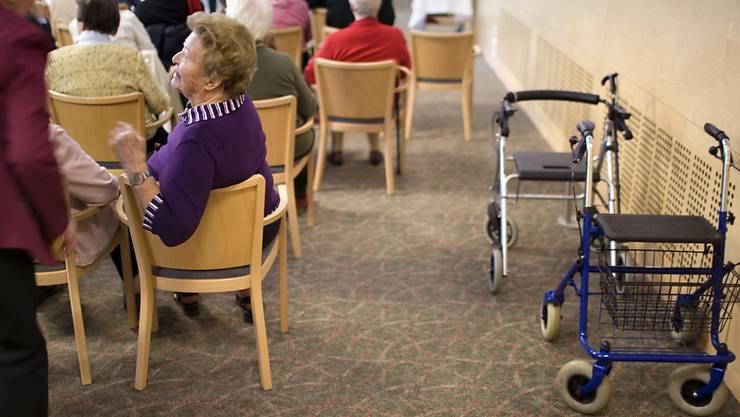 Das Interesse an Fragen rund um die Vorsorge ist trotz der bevorstehenden Abstimmung über die Rentenreform auf einen Tiefststand gesunken. (Archivbild)
