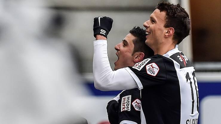 Petar Sliskovic bejubelt den 1:1-Ausgleich mit Torschütze Moreno Costanzo.