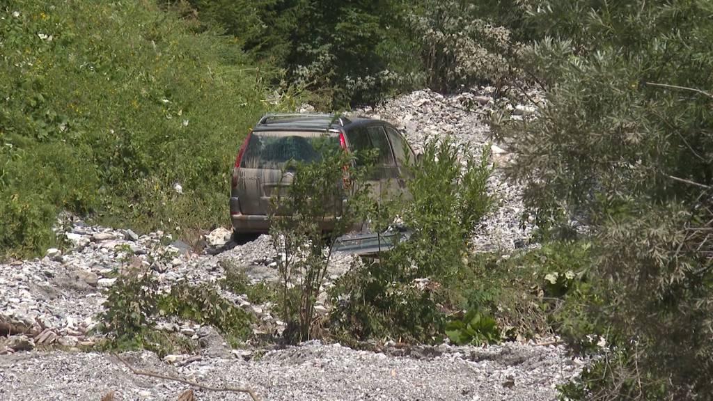 Unwetter in der Westschweiz: Familie im Auto weggespült