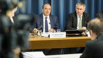 Finanzdirektor Markus Dieth und seine Regierungsratskollegen wollen befristet mit der Stuldentilgung aussetzen.