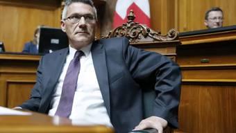 Der Schwyzer SVP-Nationalrat Schwander soll sich der Beihilfe zu einer Kindesentführung schuldig gemacht haben. Die Berner Justiz will deshalb, dass seine Immunität aufgehoben wird.