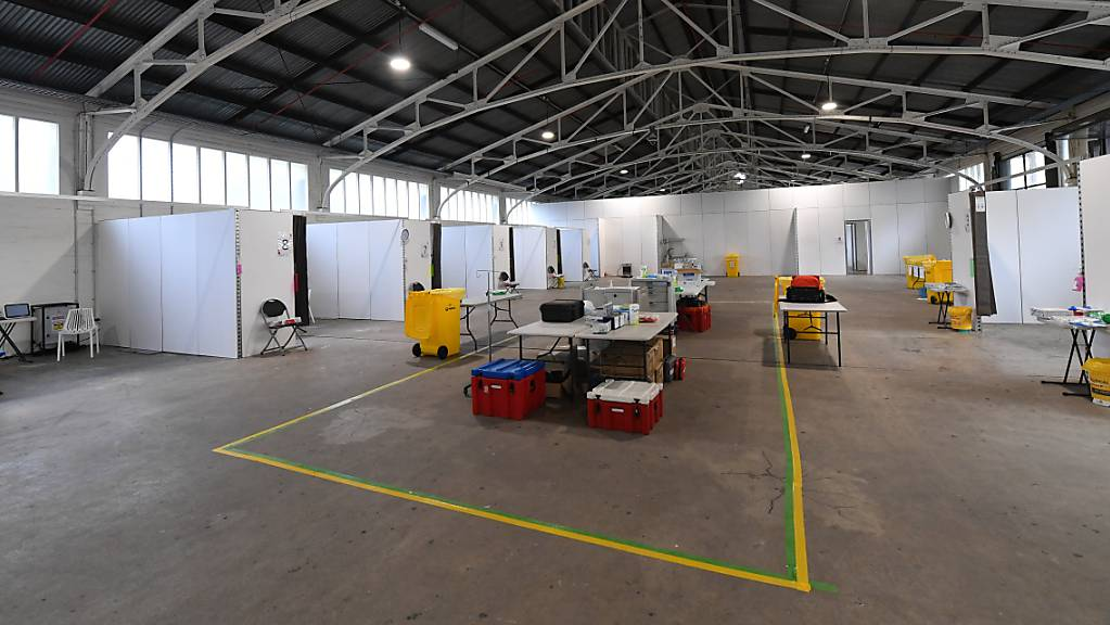 General view of facilities at the St Johns Ambulance Victoria pop up Hospital at the Melbourne Showgrounds in Melbourne, Tuesday, July 7, 2020. St Johns Ambulance   Victoria has setup a treatment facility at the Melbourne Showgrounds in anticipation of an increase in coronavirus cases following a spike in cases throughout Melbourne. (AAP Image/James Ross) NO ARCHIVING