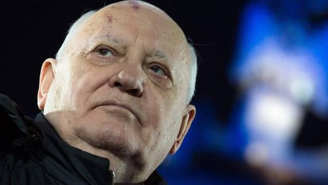Gorbatschow wird von vielen Deutschen als Held gefeiert