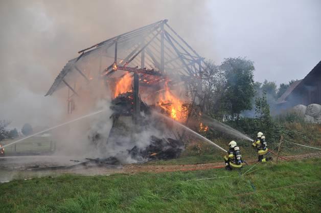 Ein Glimmbrand in einem Strohballen war Ursache des Feuers.