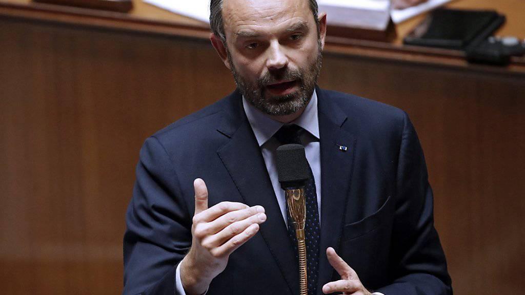 Wegen der Zugeständnisse an die Protestbewegung der «Gelbwesten» steigt Frankreichs Haushaltsdefizit laut Premier Edouard Philippe auf 3,2 Prozent der Wirtschaftsleistung. (Archiv)