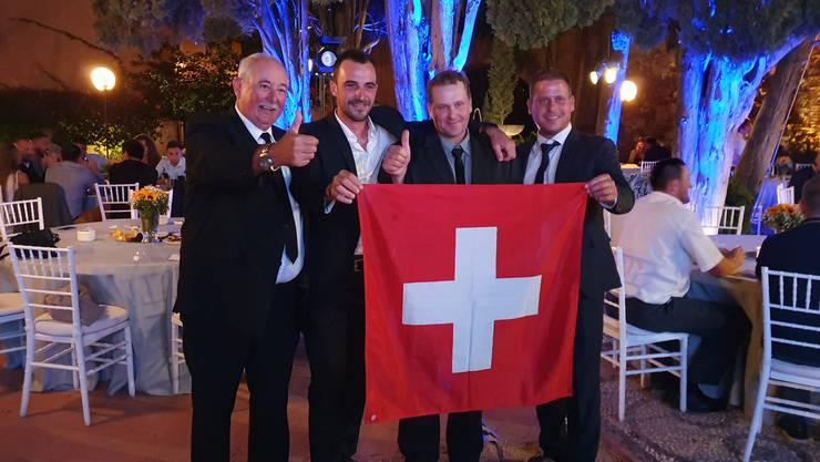 Die Schweizer Delegation an der Caterpillar Operator Challenge in Málaga: (v.l.) Fredy Tschumi, Dominik Zimmermann, Bruno Grossen und Michael Herren.