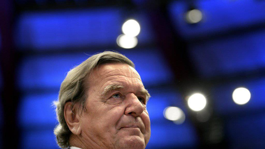 Aller Kritik zum Trotz liess sich alt Bundeskanzler Schröder in den Verwaltungsrat von Rosneft wählen.