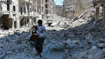 Zerstörte Strassen in Aleppo. (Archiv)