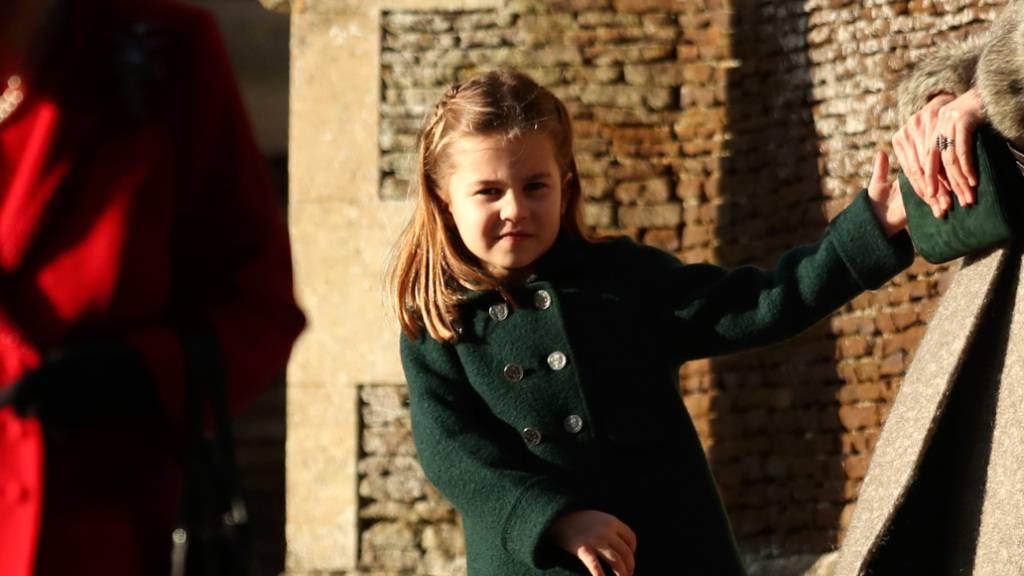 ARCHIV - Prinzessin Charlotte nachdem sie 2019 mit ihrer Familie den Weihnachtsgottesdienst besucht hat. Foto: Jon Super/AP/dpa