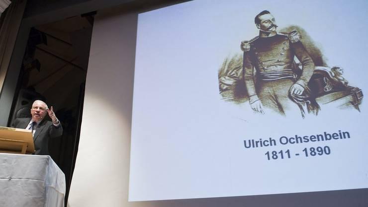 SVP-Stratege Christoph Blocher hält 2010 ein Referat über Ochsenbein.