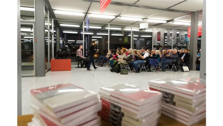 Die Vernissage zu den Badener Neujahrsblättern fand im Hallerbau an der Kantonsschule Baden statt.