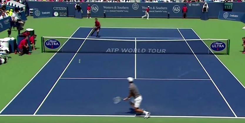 Roger Federer stellt Novak Djokovic und Boris Becker im Final von Cincinnati seinen neuen Schlag «SABR» vor