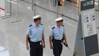 Bundespolizisten sorgen am Münchner Flughafen für die Sicherheit der Passagiere und des Luftverkehrs.