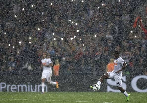 Das Spiel fand in Moskau während strömendem Regen statt.