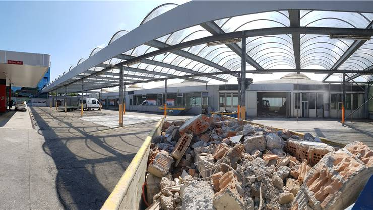 Aktuell erfolgen die Abbruch- und Umbauarbeiten auf dem Areal der ehemaligen AMAG-Werkstätte.