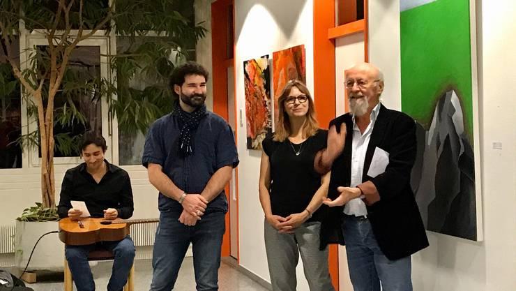 Die Künstler Markus Gilomen und Beatrice Gugliotta werden von Salvatore Mainardi vorgestellt.