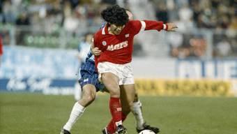 Im Herbst 1989 gab Diego Maradona ein Gastspiel in der Schweiz. Der Weltstar gastierte im UEFA-Cup mit Napoli im Zürcher Letzigrund